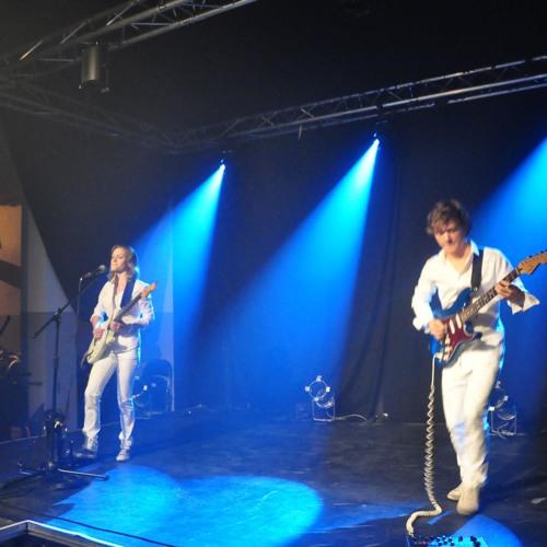 05 Live in South - Umbrella(Rihanna)