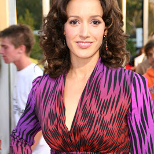 Jennifer Beals has a new show on TNT and is loving her life.