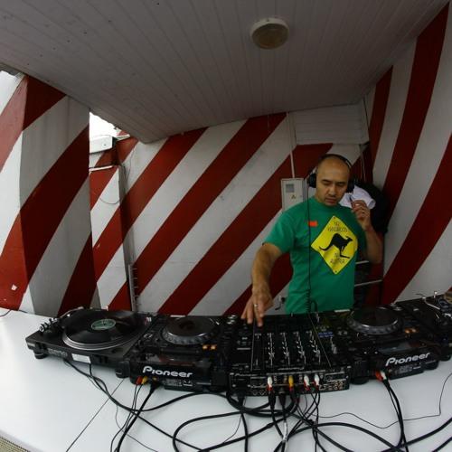 RUNE label djs: Alex Semchuk – LIVE @ JoinPoint Rooftop (2013)