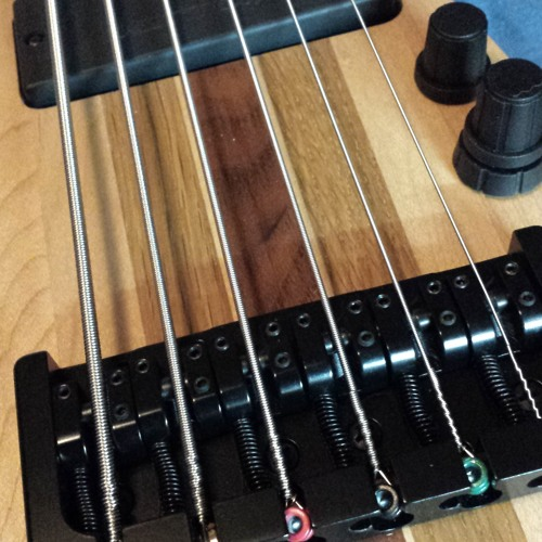 Bass Test 6 String Bass - Xribble 2015 - 07 - 15