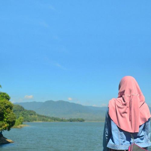 Perahu Kertas by nisaaddini (cover)