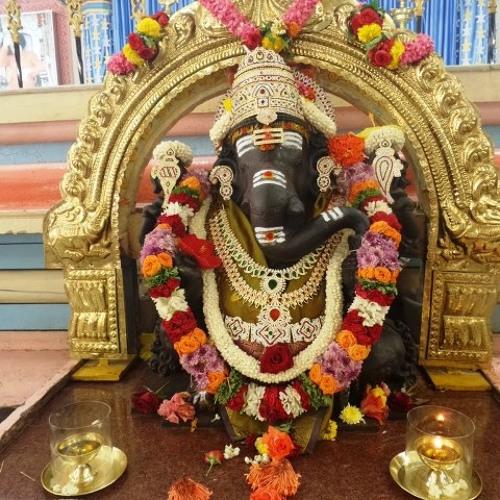 Gananayakam Ganeshwaram - Sai Bhajan by Muthuraman