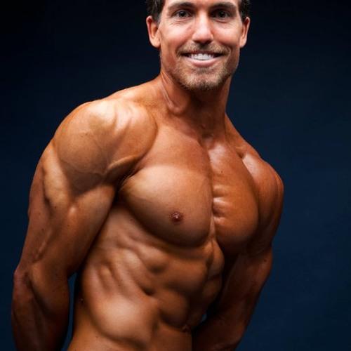 Episode 6 - SPEAKING OF VEGAN has a one-on-one chat with Champion Vegan Bodybuilder Derek Tresize!