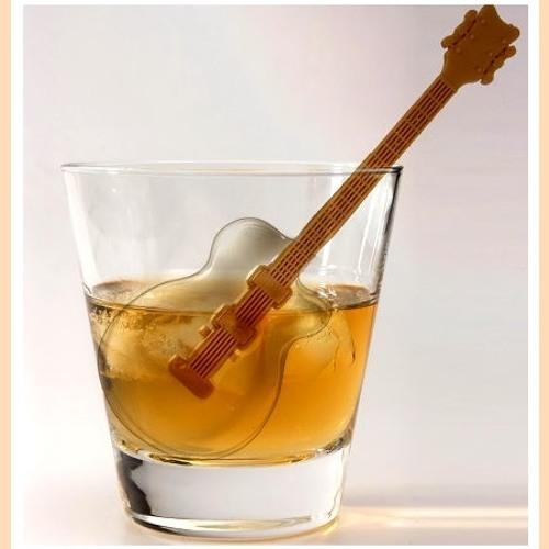 Lounge Bar Guitar by Giuseppe Deliso
