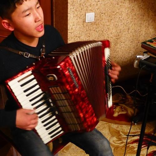 Turgunbek (15 years old) - Kyrgyz folk songs with accordion