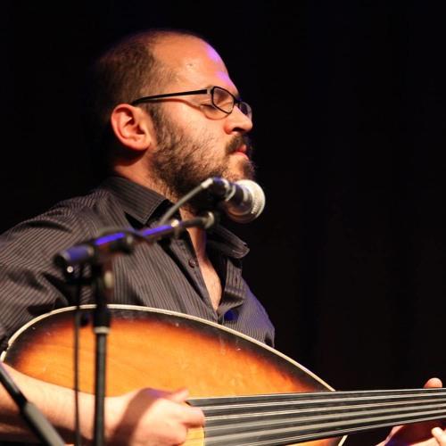ومن سوريا لبيروت للنمسا (عروة صالح ) رحالة موسيقي يبحث عن بصمته بين الشرق والغرب