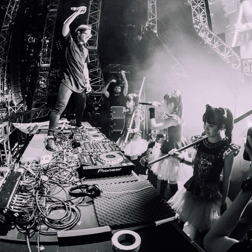 BABYMETAL Gimme Chocolate Feat Skrillex at Ultra Japan 2015
