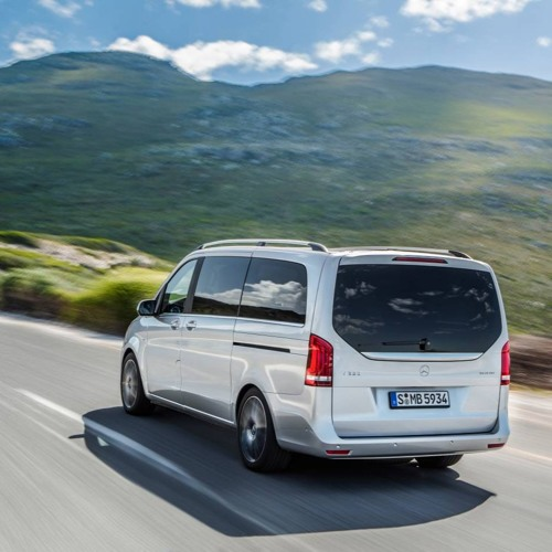 Mercedes V - Class - A people mover or 8 seater saloon