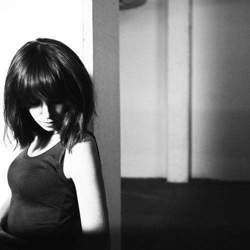 Laura Welsh- Undiscovered (Blonde Remix)