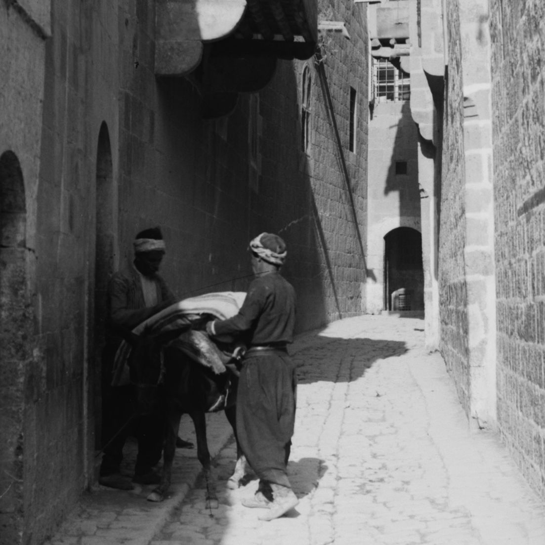 Naked Anxieties in the Baths of Ottoman Aleppo   Elyse Semerdjian