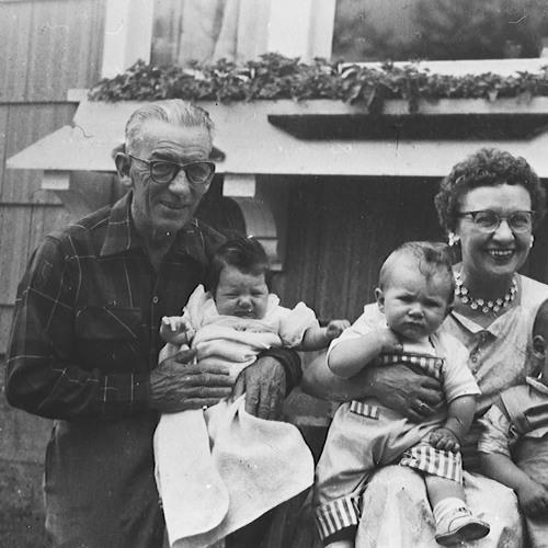 Edith Barrow (Pratt), Della Parent (Leveque), Joseph Parent, Bessie Vaughan (McWhirter) 1971 - 01