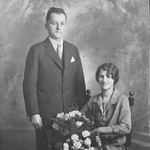 Paul Henke & Ethel Henke (Kershaw) 1977 - 04