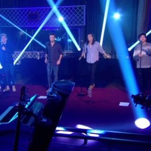 Torn - One Direction (Cover in BBC Radio 1 Live Lounge) by