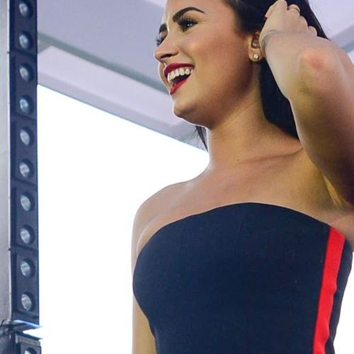 Demi Lovato - Stone Cold (Demi Live In Brazil) by Gabriela