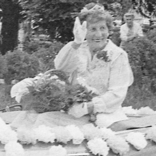 Mary Surina (Mikulasik) 1983 - 07 - 11