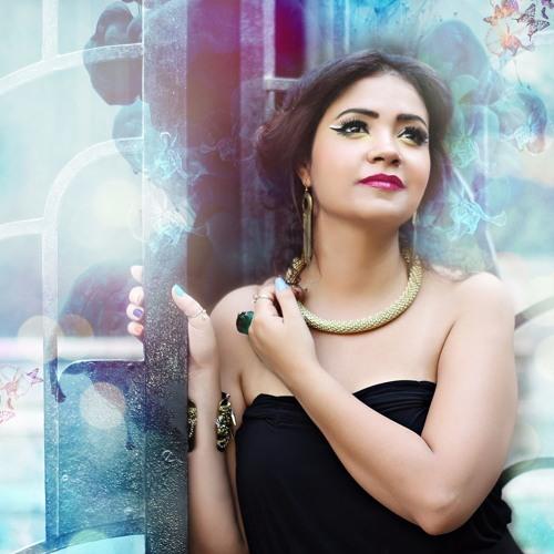 Fayrouz Karawya- Ana Aysha  فيروز كراوية- انا عايشة