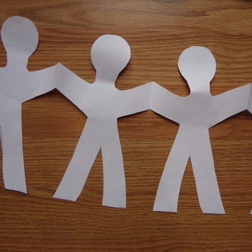 3 ways to make a paper people chain wikihow - 640×480
