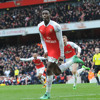Welbeck's last-gasp winner gives Arsenal victory over Leicester