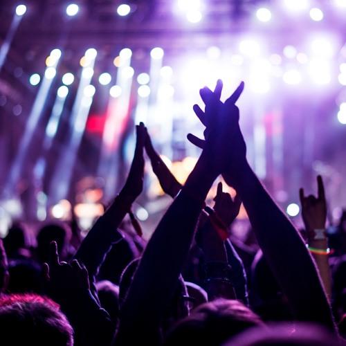 Darf man das Geld zurückfordern, wenn man Tickets für ein Konzert hat, welches verschoben wurde?