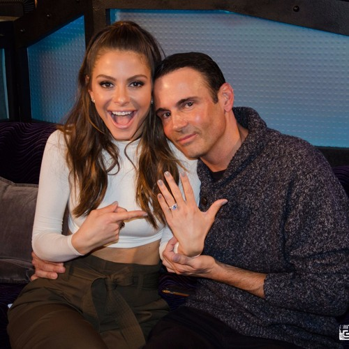 Maria Menounos Gets Engaged on The Howard Stern Show
