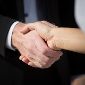 Mit mond Rólad a kézfogásod?