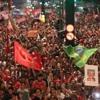 Ato em defesa da democracia reúne 60 mil pessoas na Praça da Sé
