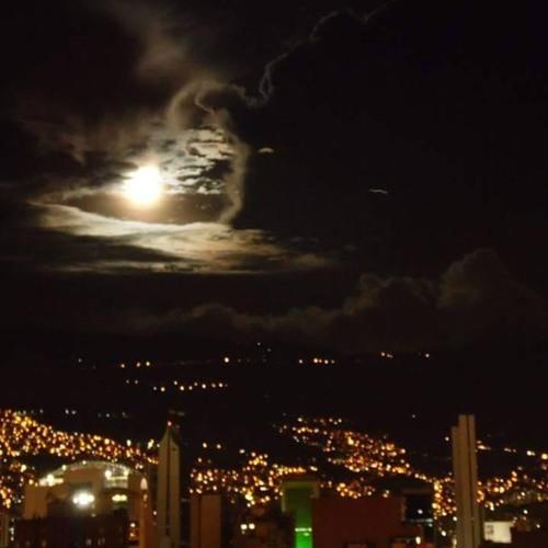 Escenas De Una Noche Gris