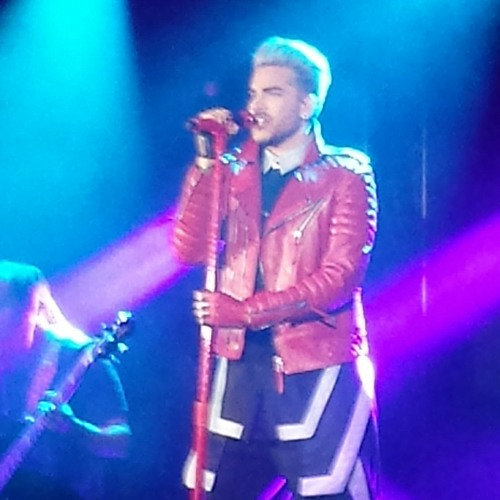 adam lambert toh tour 2016 hamburg by hana fris free listening on soundcloud. Black Bedroom Furniture Sets. Home Design Ideas