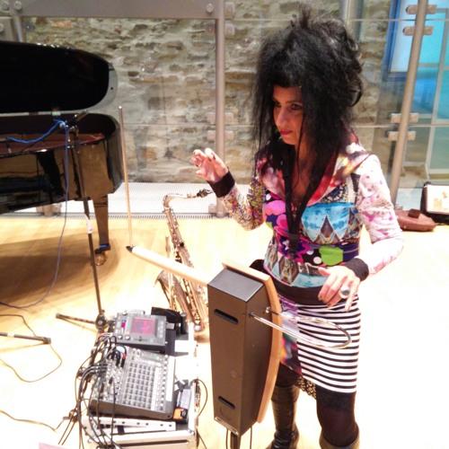 Gilda Razani - My Theremin Orchestra - Farben