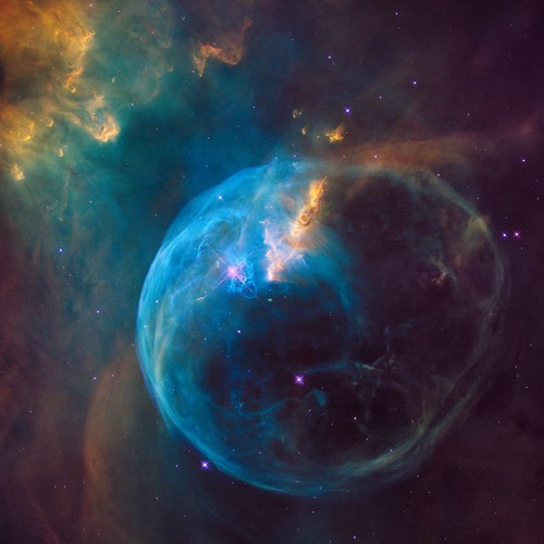 MR UNIVERSE: THE LEGACY OF THE HUBBLE TELESCOPE