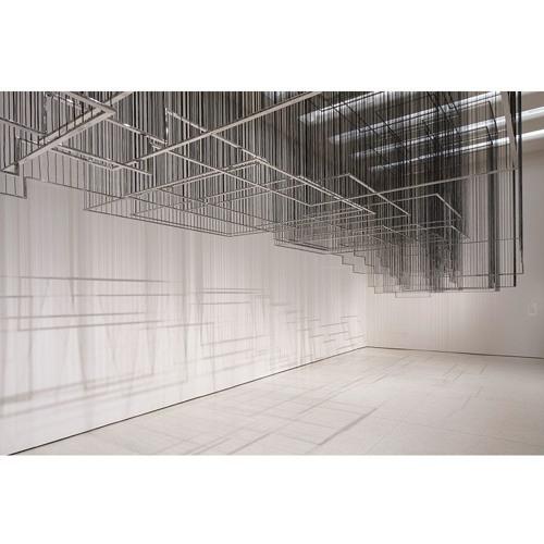 Nadia Kaabi-Linke, Flying Carpets, 2011