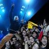 Bruce Dickinson saluda a Colombia en concierto de Brisbane, Australia