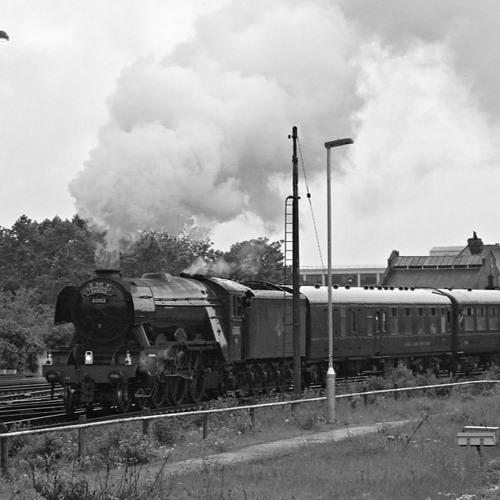 60103 Flying Scotsman departs Basingstoke 21 May 2016