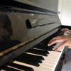 Gabriel compone reggaeton