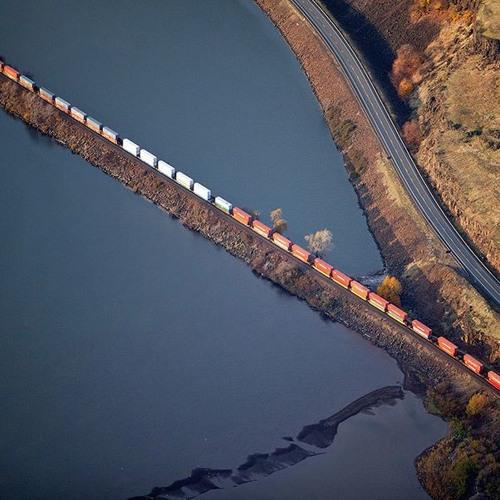 Train Tracks feat. Jules Etienne