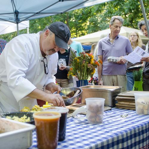 Chef Demos Spice Up Farmers Markets