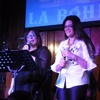 04- ALICIA & CAMILA - Amame Como Soy Portada del disco