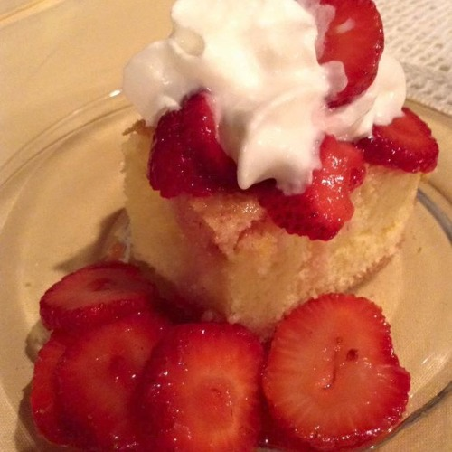 Episode 08 - Strawberry Shortcake And Caramel Dip