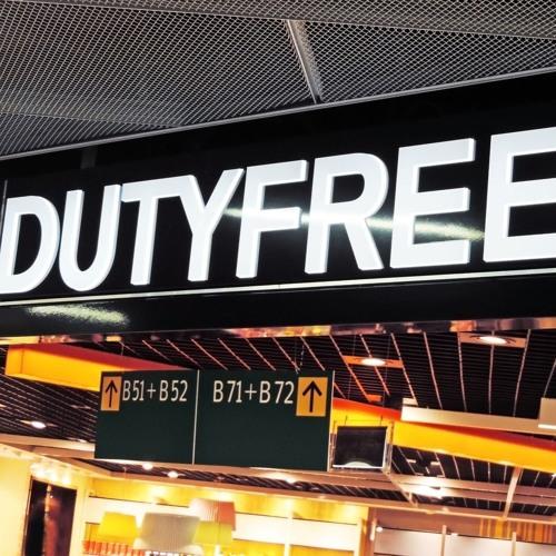 Darf man alkoholische Getränke, die man im Duty Free einkauft während dem Flug trinken?