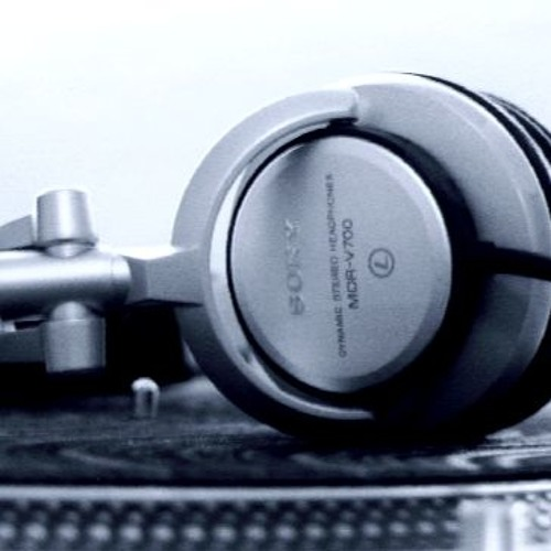 Dänjel Classic - Never comin Down [Minimal-Techno ShortVersion] 2012