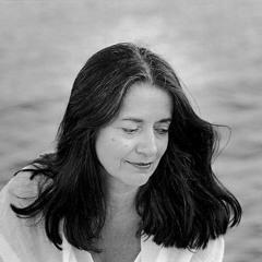 Eleni Karaindrou - I Timi Tis Agapis