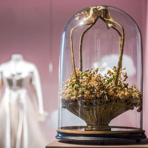 Musée Mode et Dentelle - Just Married, une histoire du mariage : Le bouquet de la mariée