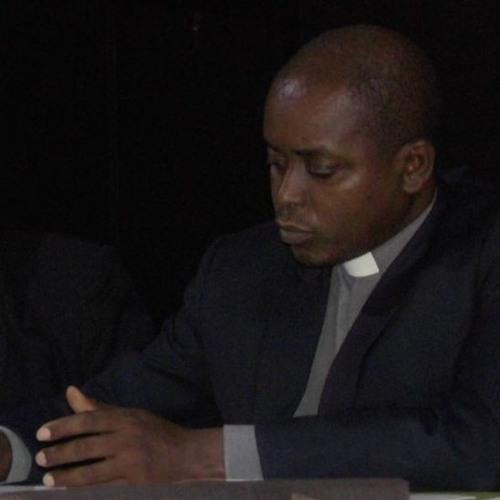 Avec Monseigneur NAHIMANA Jean Louis, Président de la CVR