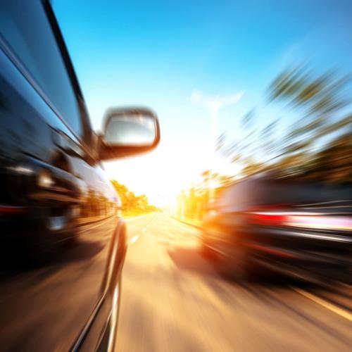 Darf man auf der rechten Spur vorbeifahren ohne wieder links einzuspuren?