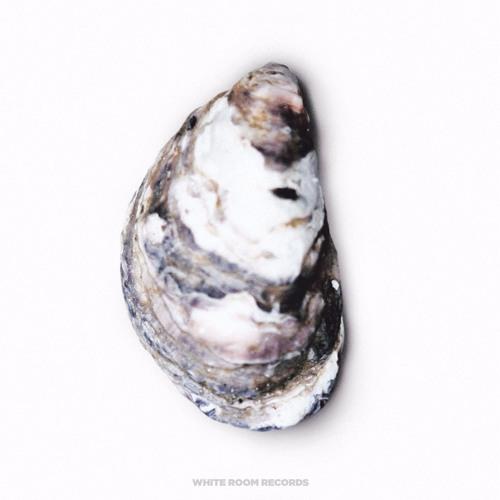 Pearl - Fading Into Me ft. Niia