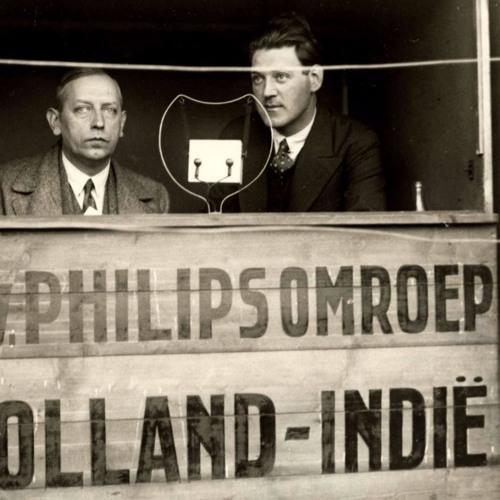 Edward Startz kondigt PHOHI-zender aan (1927)