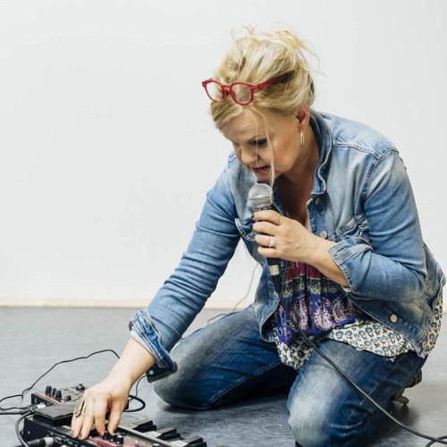 Die Autorin, Sängerin und Pädagogin Annette Marquard  - Porträt für SWR2