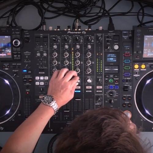 Daniel Troha // DJ // In the Mix