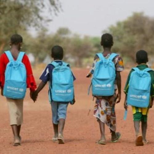 Segundo Unicef, 385 milhões de crianças viviam em 2013 com menos de US$ 1,90 por dia