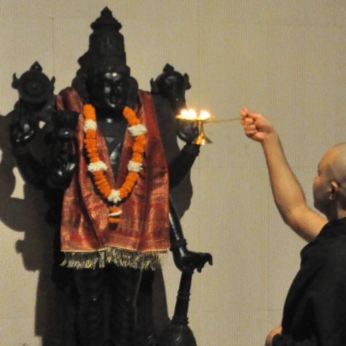 Sri Hari Aarti with Chorus